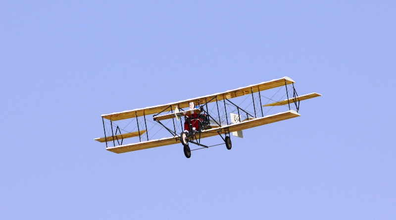 Maxford USA 50in Wingspan Curtiss Pusher - Click Image to Close